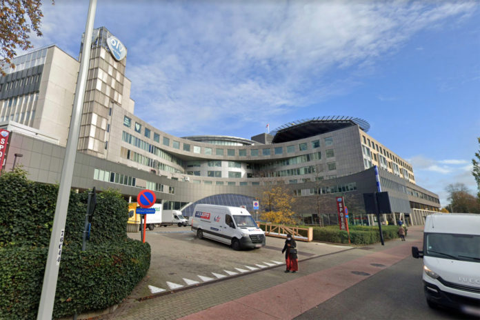 Belgian woman dies after contracting two COVID-19 strains