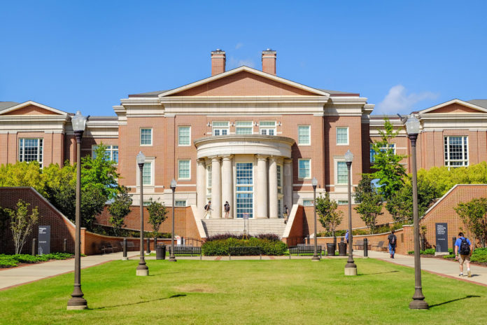 Auburn University offers scholarships, other incentives to promote COVID vaccine