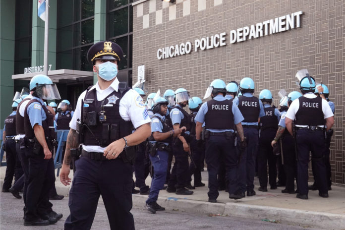 Chicago gang members outnumber cops 9 to 1 amid high retirement