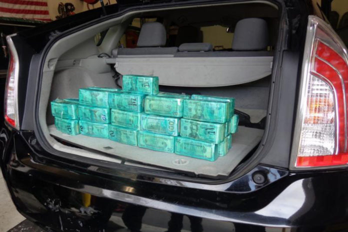 Border agents nab woman smuggling $414,000 in her car