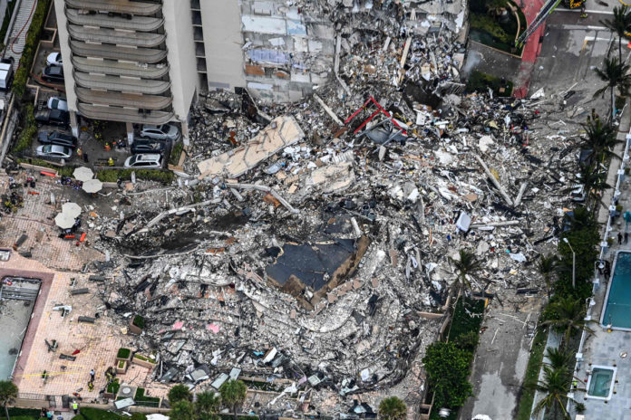 Pool deck at collapsed Florida building flagged 25 years ago