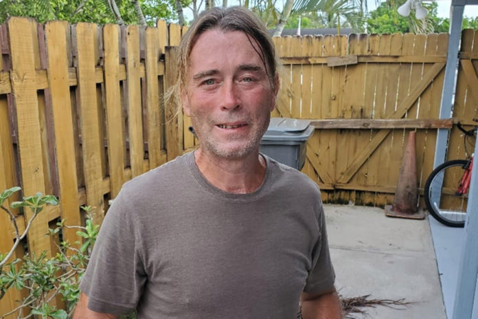 Florida landscaper leaps into action to save man's life as homeowners berate him