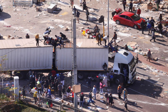 South Africa violence continues to spiral, causing food and fuel shortages