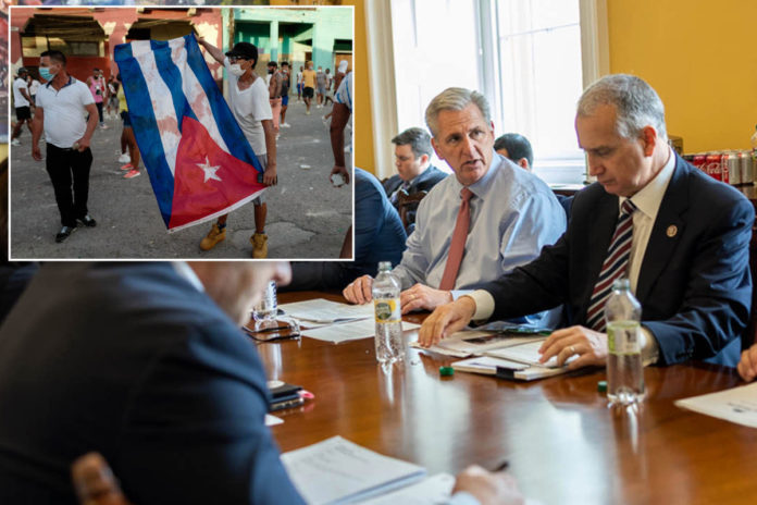 McCarthy huddles with GOP to push Biden on Cuba strategy