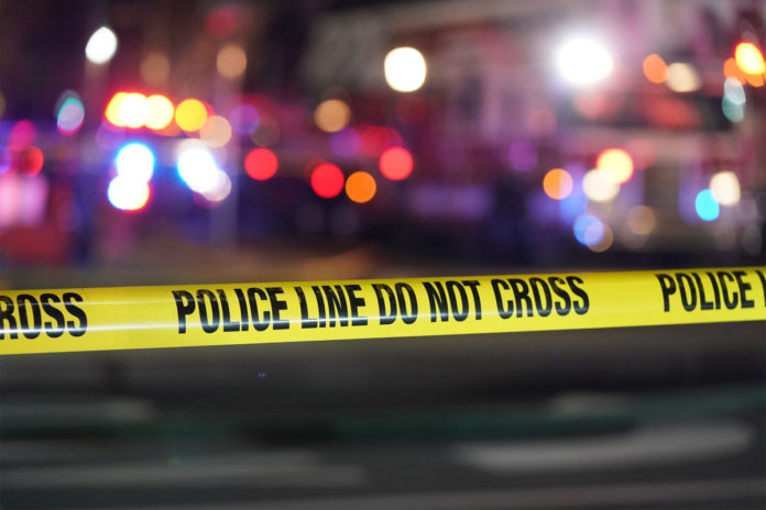 Chicago shootings kill teen, wound 9