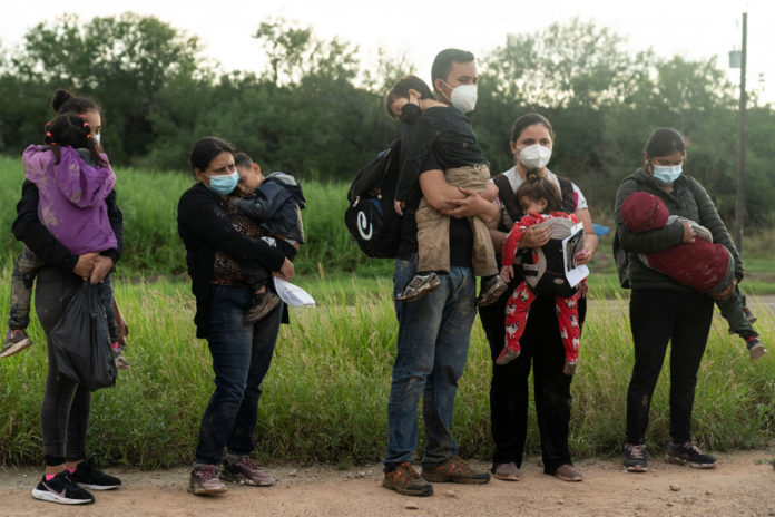 Data shows illegal US border crossings on pace to top 1M this month