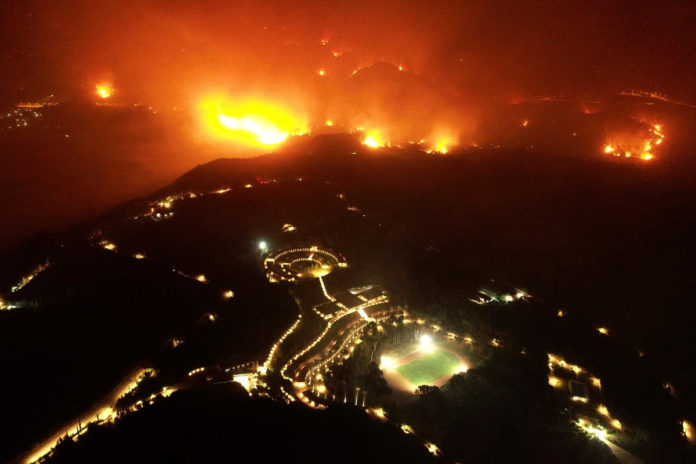 Birthplace of Olympics evacuated amid Greece wildfires