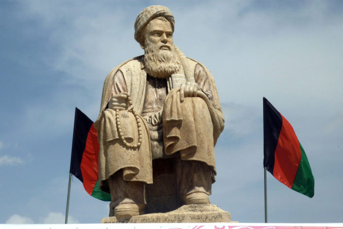 Taliban destroy statue of foe, stoking fears after moderation claims
