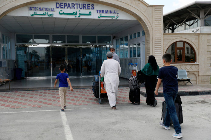 Americans told to take shelter as Taliban move in on Kabul airport
