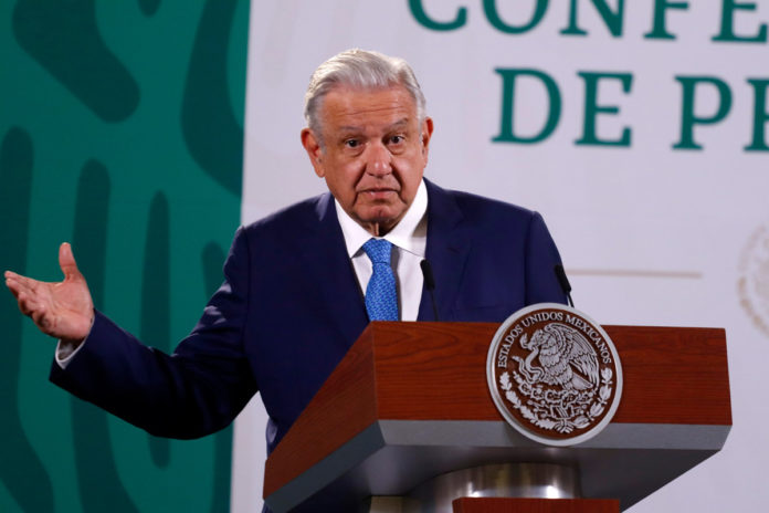 Mexico holds referendum on probing corrupt ex-presidents