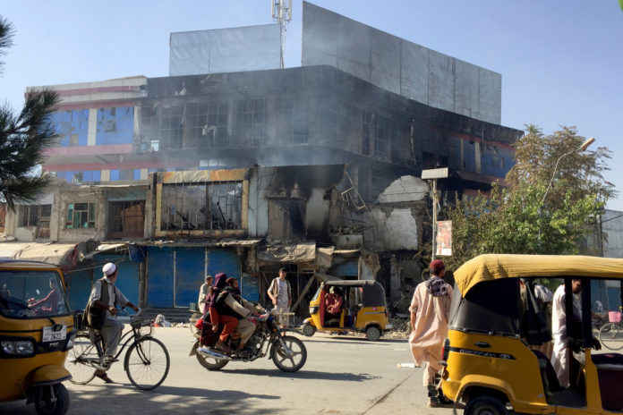 Taliban takes control of government buildings in Afghanistan