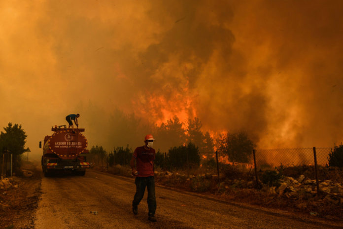 Turkey battles wildfires for 6th day; 10,000 are evacuated