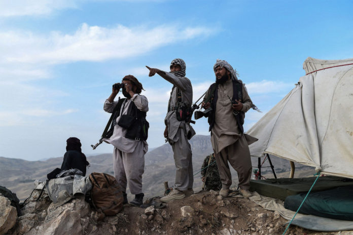 Afghan resistance fighters take back territory from Taliban