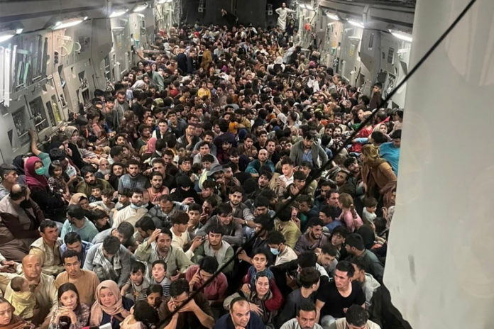 Air-traffic controller shocked at amount of Afghans on plane
