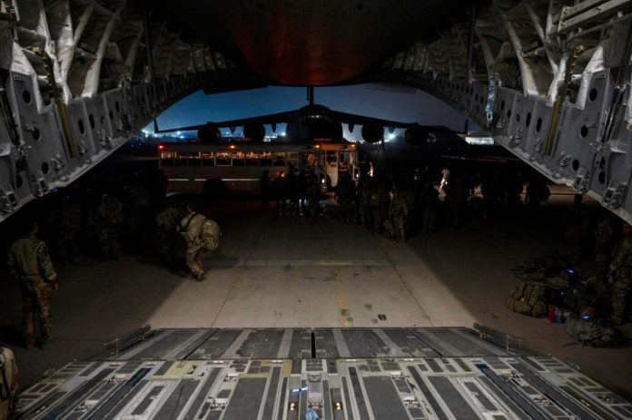 New images show last US troops leaving Afghanistan