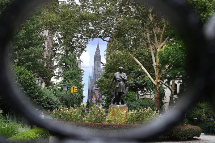 Long-simmering feud between Gramercy Park elites erupts again over access rules