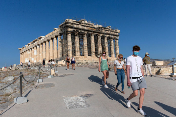 CDC urges Americans not to travel to Greece, Ireland amid COVID-19