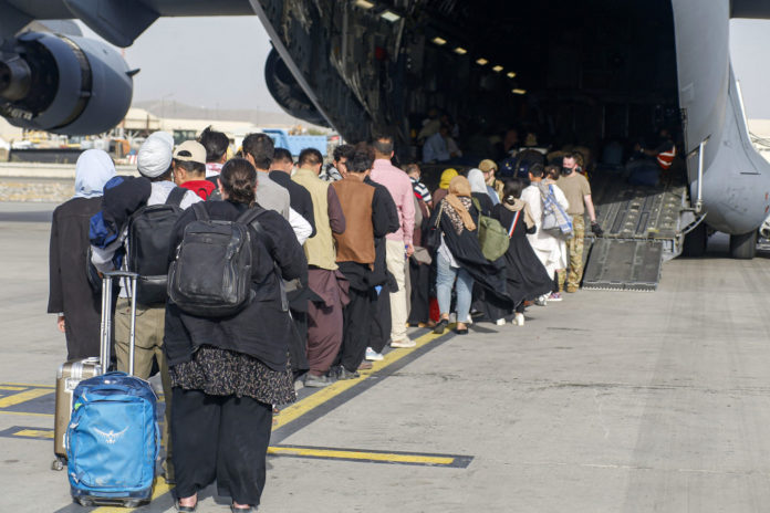 US Embassy in Afghanistan tells citizens to stay away from airport