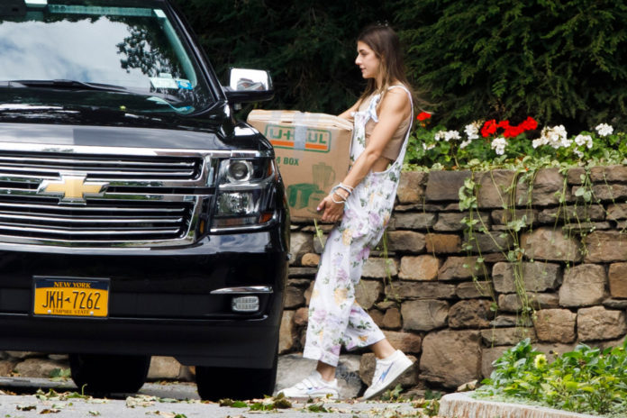 Cuomo's daughter used state police SUV to move from governor's mansion: sources