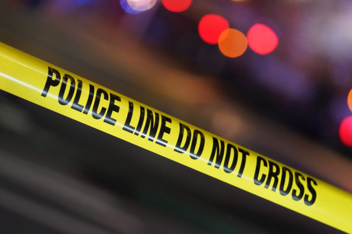 Two Chicago cops 'seriously hurt' in shooting
