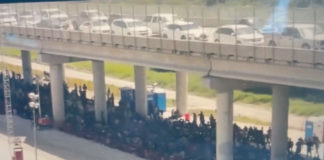 Nearly a thousand illegal immigrants held under a bridge in Texas