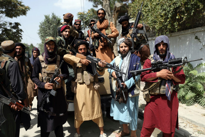 US left billions in weapons in Afghanistan, with Black Hawks in Taliban's hands