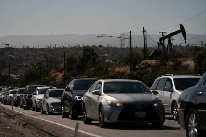 Los Angeles County votes to phase out oil and gas drilling