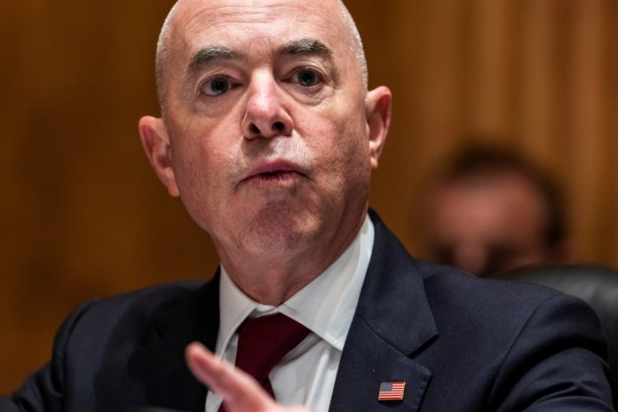DHS chief can't give 'ballpark' estimate on illegal immigration numbers