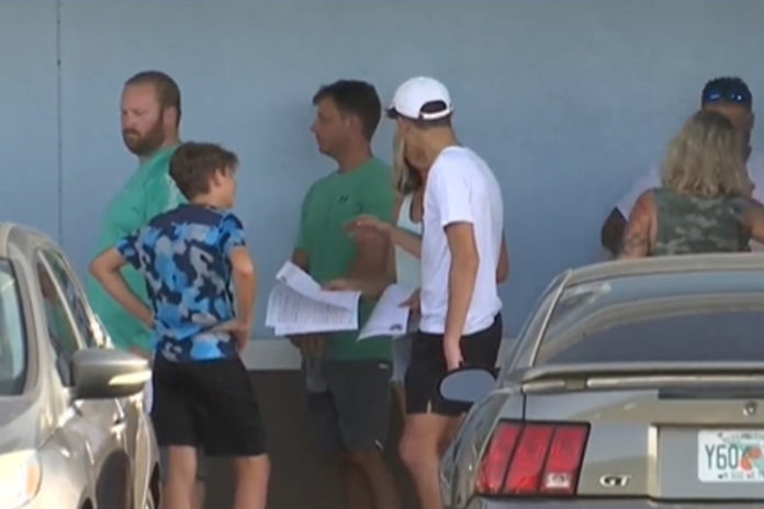 Florida school district updates mask policy after hundreds line up outside chiropractor's office