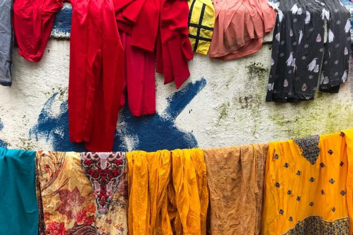 Indian man accused of attempted rape to wash women's clothes