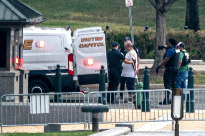 Man removed from suspicious vehicle outside Supreme Court