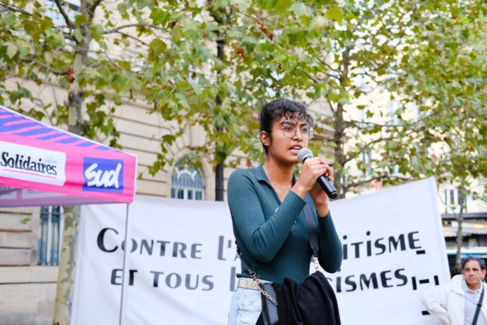 French activists pose as employers to expose racism