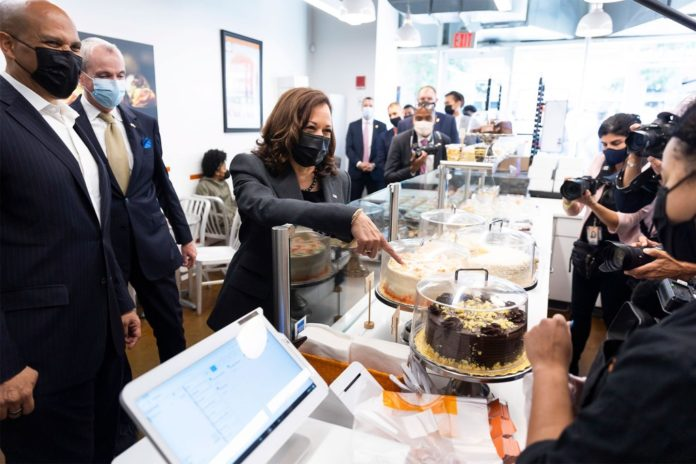 Harris visits Tonnie's Minis bake shop in Newark as officials meet with Mexico on immigration
