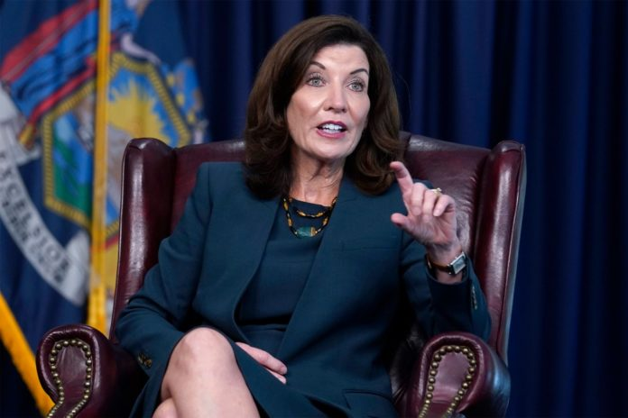 Cuomo aides told Hochul she was off 2022 ticket before scandals