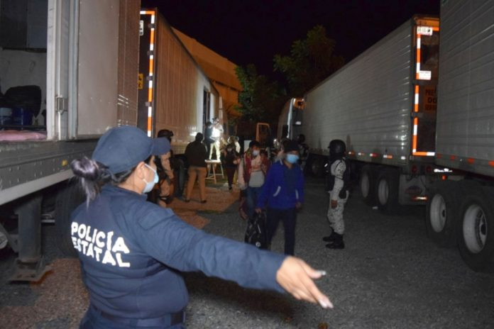 More than 600 migrants pulled off truck at US-Mexico border