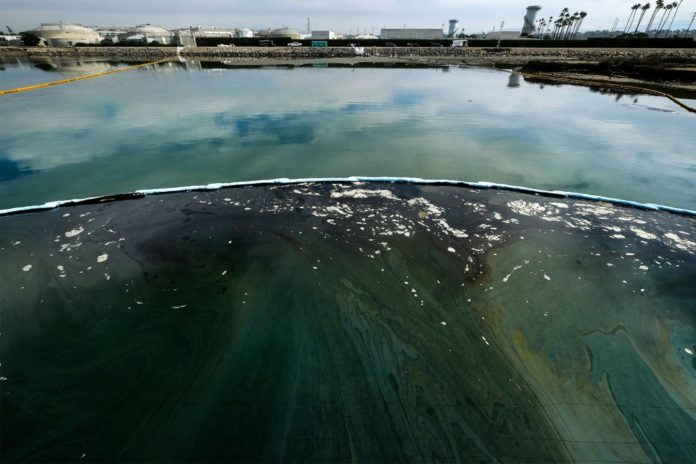 Response time questioned in Southern California oil spill