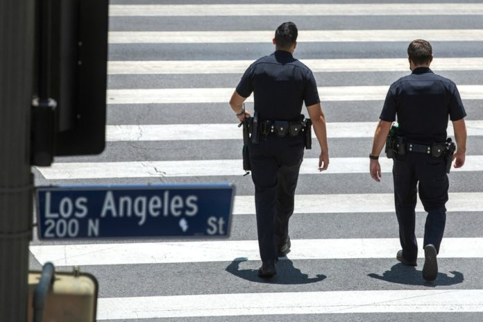 Largest US police departments see increase in 2021 departures: report